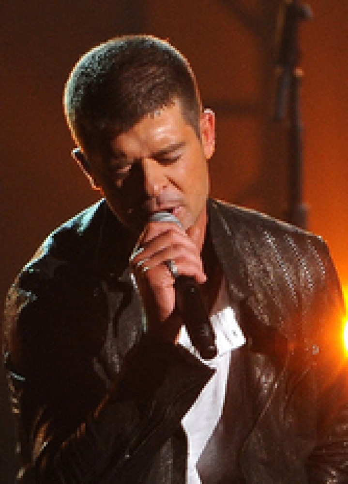 cropped-robin-thicke-billboardmusicawards.jpg