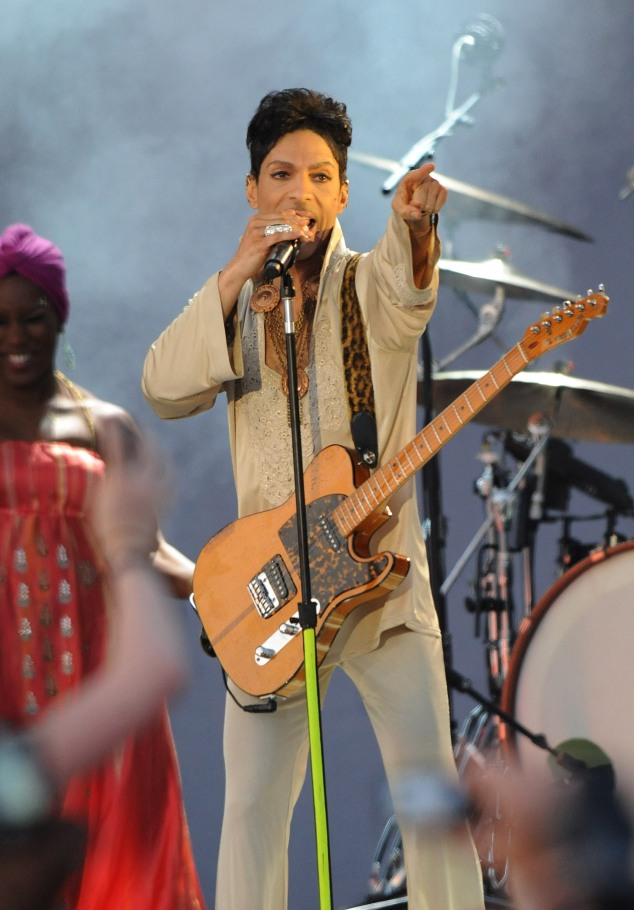 prince performing on stage hop farm festival day 3 2011